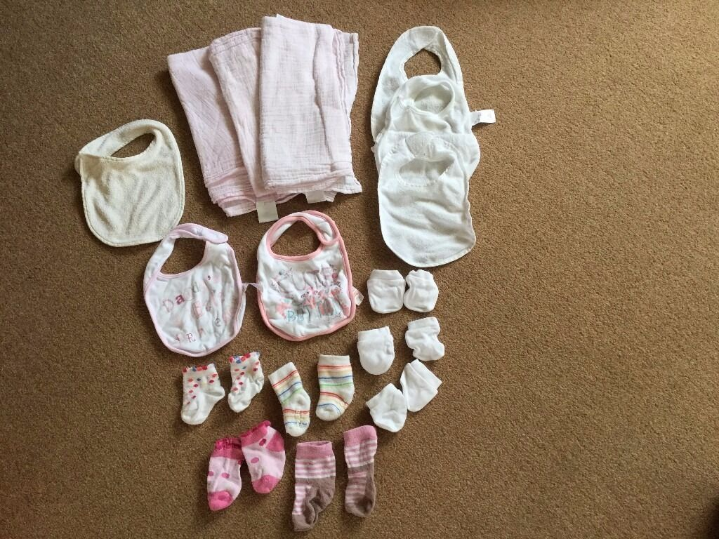 Newborn baby bundle5in Worcester Park, LondonGumtree - Newborn baby bundle £5 Washed and comes from a smoke free home (I also have girls clothes in lots of other size / age ranges, please ask and I can send you pictures & descriptions etc) 3 x pink muslins 6 x bibs 4 x pairs of socks 3 x scratch mitts...