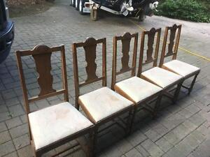 Antique Oak Dining Set With 6 Chairs