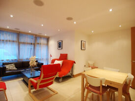 A Large stunning 2 bedroom Ground floor flat located on ARLINGTON ROAD in Camden