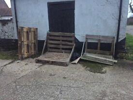 6 free pallets