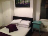 Large En suite Bedroom with Office Area