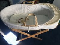 Baby Mose basket with covers and stand