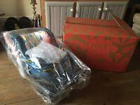 Cosatto port 0 isofix baby car seat. used.