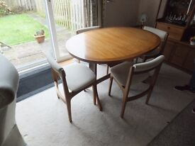 Solid wood extendable table and four chairs