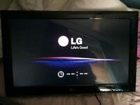 "LG 32"" 3D LED TV with Roku TV Stick"