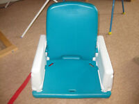 DINING TABLE BOOSTER SEAT by EARLY YEARS - easy to wash / adjustable / easy to take apat