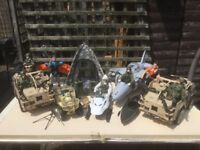 HM Forces figures x 7 and 2x Jackal armoured vehicles