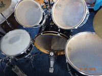 YAMAHA Drum Kit including Sabian cymbals - GOOD CONDITION
