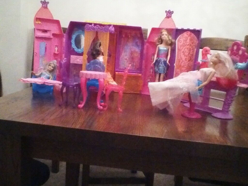 Barbi folding house