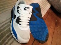 Nike air max mens trainers size 9