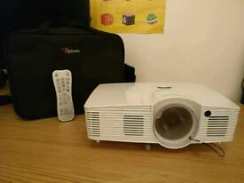 Optoma GT1080, DLP short throw gaming and film projector