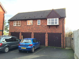 Clean & quiet 2 bedroom detached house to let,fully furnished,front parking and rear garden CV37 9BZ