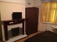 1 Bedroom Ground Floor Flat In Chedwell Heath RM6 4NT ===ALL BILLS INCLUDED===