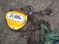 DAVY MORRIS ENGLAND 2 TON LIFTING HOIST BLOCK AND TACKLE WITH ROPES HOOKS ETC..