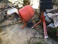 Belle Cement mixer 240v mini 150 good working order stored inside