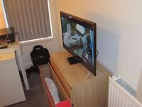 "LED TV 81CM/32"" ALMOST NEW, ONLY 4 MOUNTHS"