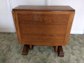 Antique/Vintage Solid Oak Extendable Dining Table