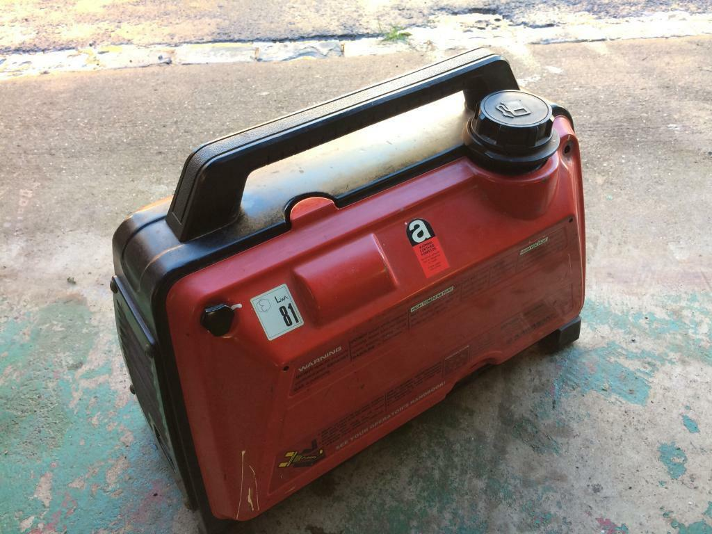 Kawasaki gd700a silent suitcase generator petrol excellent condition