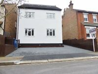 Crescent Road, Barnet - 2 Double Bedroom recently renovated furnished Flat