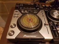 Pioneer cdj-400 dj cd deck with usb mp3 playback