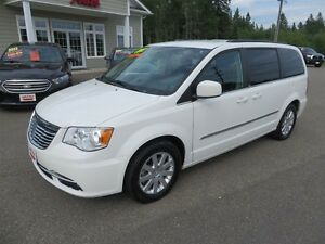 2013 Chrysler Town & Country Touring LOCAL TRADE!!