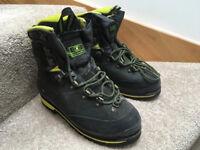 Salomon Winter Walking Boots (B3) Men's size 6