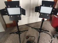 2 x160led mini studio light kit
