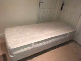 Single 2ft 6 bed - divan and mattress