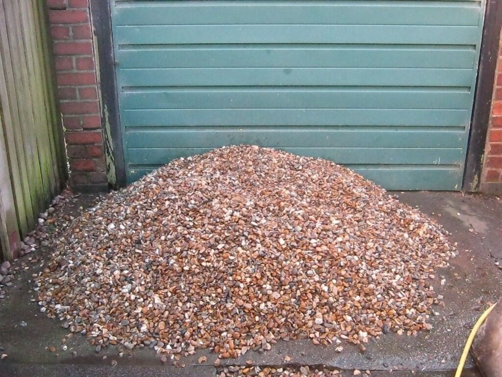 How Much Is A Ton Of Gravel >> Free Gravel Approx 1 Ton Of Tattersall Gold Gravel Collect From