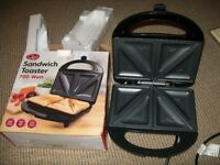 Quest 700W sandwich toaster - 2 slices - boxed
