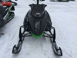 2013 arctic cat M8 LTD 162 hors piste