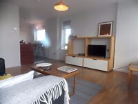 ***WATERVIEW HOUSE*** VERY LARGE ONE BEDROOM FLAT TO RENT WITH BALCONY IN CARR STREET E14 7SX
