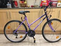 """Adults Giant Hollywood unisex hybrid bike. 18"""" frame. Medium size 26"""" road Wheels"""