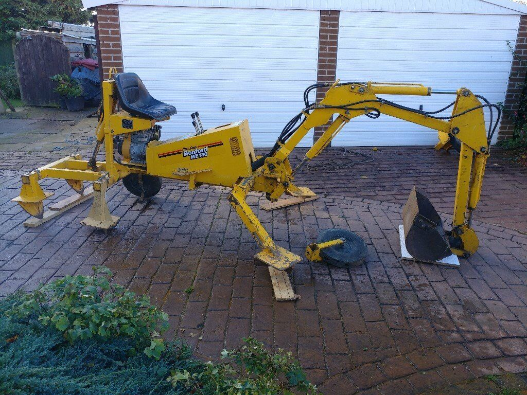 Benford ME130 On offer is a little benford ME130 towable digger This is a non-tracked digger