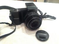 Samsung NX1000 20.3mp camera 20-50mm lens with battery & charger