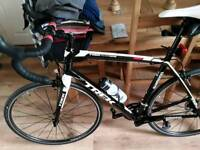 Trek madone 2.1 h2 road bike