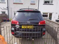 Hyundai sante fe automatic 2009 2.2 crdi cdx in black with full grey leather.