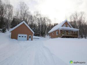 200 000$ - Maison à un étage et demi à vendre à Hébertville