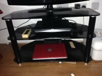 32 lg tv with black stand