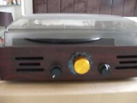 RETRO RECORD TURNTABLE & RADIO (Brand New & Boxed)