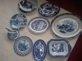 Vintage 7 pieces of Willow Ware and 2 Delfts plaques