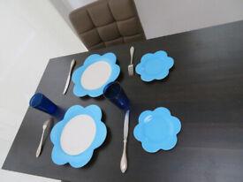Villeroy & Bosh set of 4 new never used plates