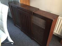 Radiator cover in excelent condition.