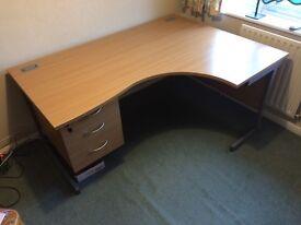 Full Size Right Hand Crescent Office Desk