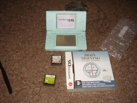 NINTENDO DS LITE WITH GAMES AND CHARGER 3 GAMES