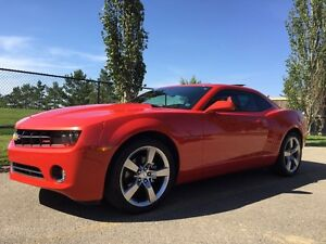 CAMARO  RS-2010 LOWEST PRICE AND LOW KMS