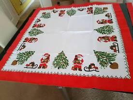 Centre table cloths