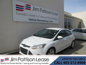 2014 Ford Focus 2.0L SE Hatchback w/ LOW KM's & Bluetooth