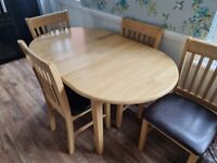 Butterfly Leaf Extendable Dining Table & 4 Chairs