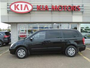 2014 Kia Sedona LX with Bluetooth/Heated Seats